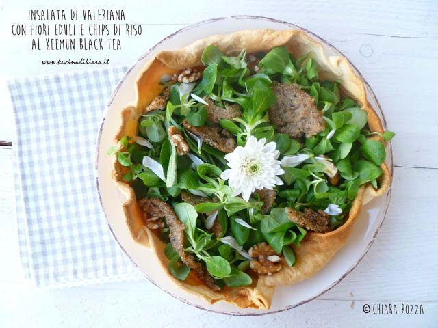 Kucina di Kiara: Insalata di valeriana con fiori eduli e chips al K...