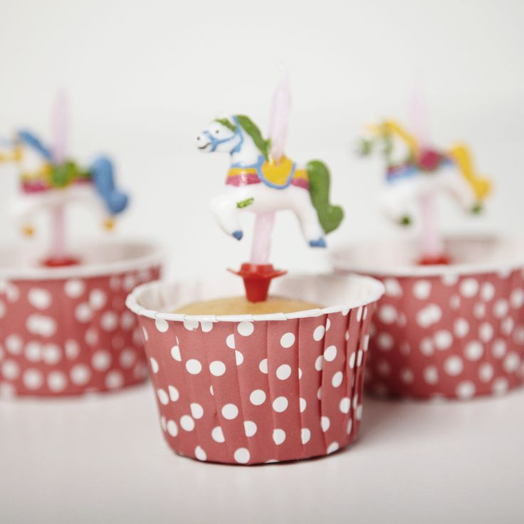 Red Dot Candy Cups | Carousel