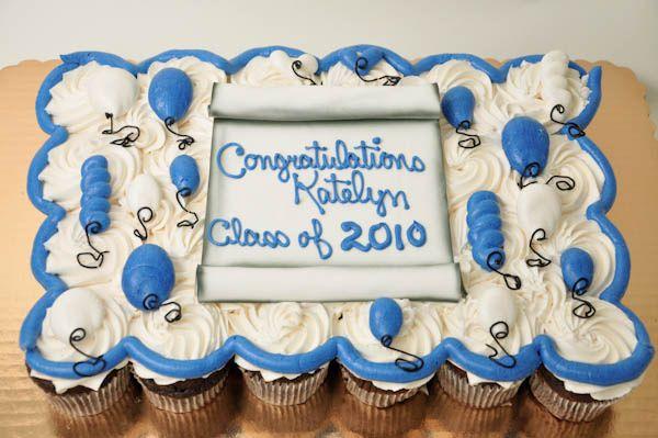 Graduation cupcakes with diploma