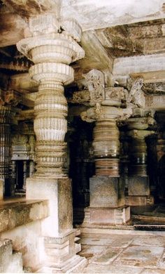 Decoratd pillars, Hoysaleshwara Temple, Halebidu, Karnataka, India