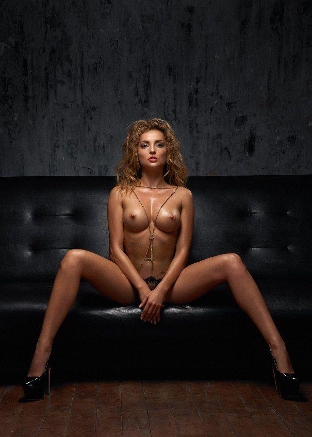Hot nude alyshia king, arfrica sexx hairy pussy