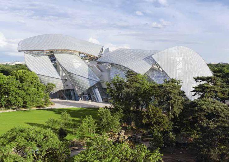 Una de las últimas creaciones del #arquitecto Frank Gehry, la Fundación Louis Vuitton en #Paris es un maravilloso edificio que contiene una estupenda colección de arte y… ¡cisternas empotradas #Geberit con pulsadores Sigma50 en los #baños!