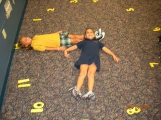 Kinesthetic way to review telling time!! definitely could've used that this week during my time lesson :P