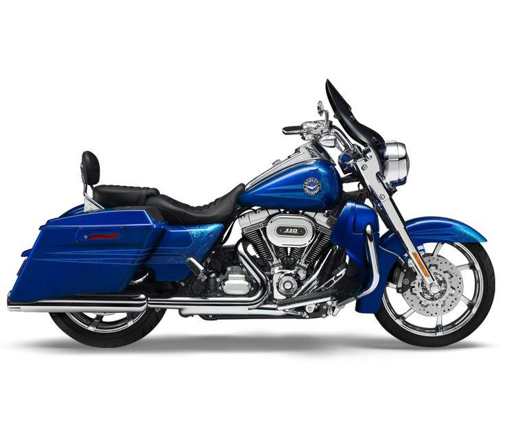2013 Harley-Davidson® CVO™ CVO™ Road King® Motorcycles Crushed Sapphire with Cold Fusion Graphics-Mirror Chrome Agitator Custom Wheels
