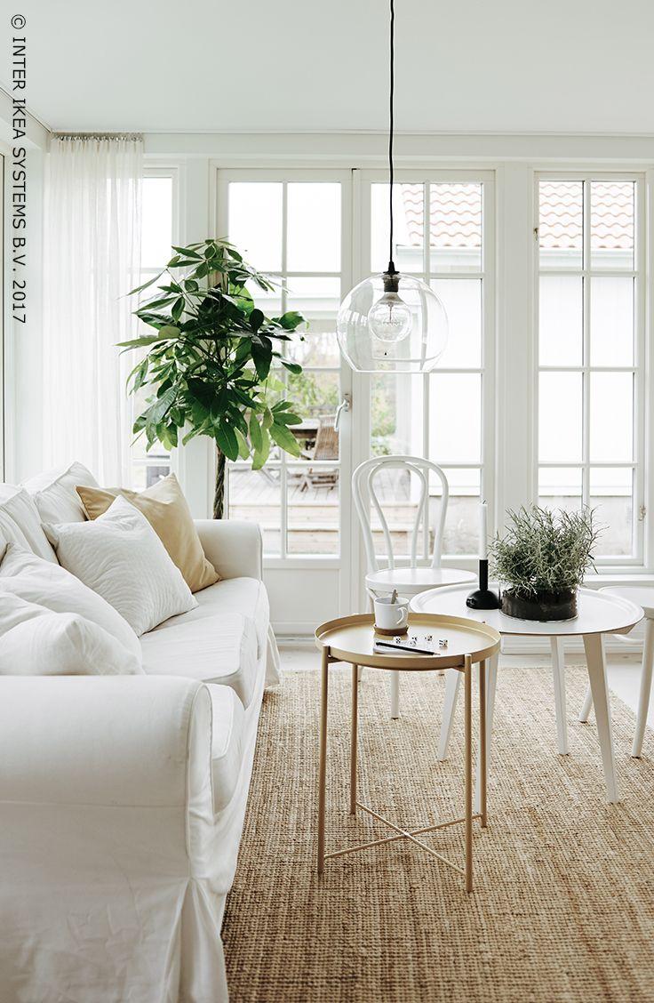 Vous recherchez de la diversité dans votre intérieur ? Optez pour un séjour avec un canapé mais également des chaises et une table convenant à n'importe quelle activité. Que ce soit pour vous relaxer ou lire un livre, il y aura toujours de la place pour chacun. Canapé EKTORP, 349,-/pce #IKEABE #idéeIKEA  Who says living rooms are just for sofas? Create a room for all sorts of living, with different styles of seating. Stools, sofas or dining chairs, for every activity. #IKEABE #IKEAidea