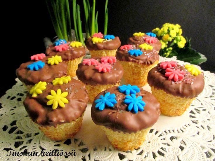 Keväisen pirteät sitrusleivonnaiset: Tinskun keittiössä