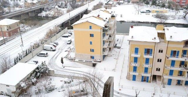 L'inverno a #PortoRecanati ! http://www.portorecanatiblog.it/porto-recanati-sotto-lo-ze…/ #destinazionemarche #destinationmarche #1a2f #portorecanatiblog #marche #macerata #civitanovamarche #italy #inverno #winter #snow #neve #temporale