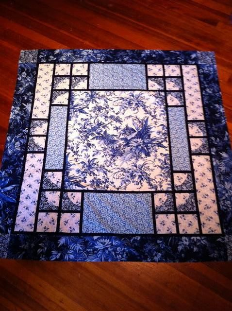 """blue & white Toile throw/wallhanging Quilt by """"Sandygirl"""" from the quiltingboard.com                                                                                                                                                                                 More"""