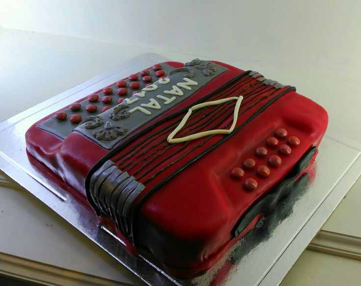 Concertina Cake, Cake design