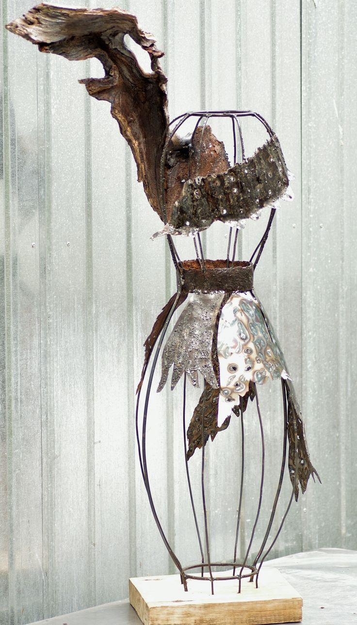 """Sculptura """"Afrodita trandafirilor de toamnă"""" - rezervata Concurs Toamna Deco (0,10 LEI la dear.cottage.breslo.ro)"""