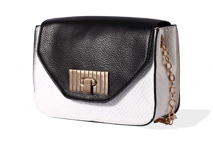 MOHITO / SPRING 2013 bakc & white bag - maybe not mys tyle, but I love it