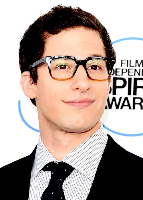 Andy Samberg In Newest Microsoft Windows Phone Commercial ...