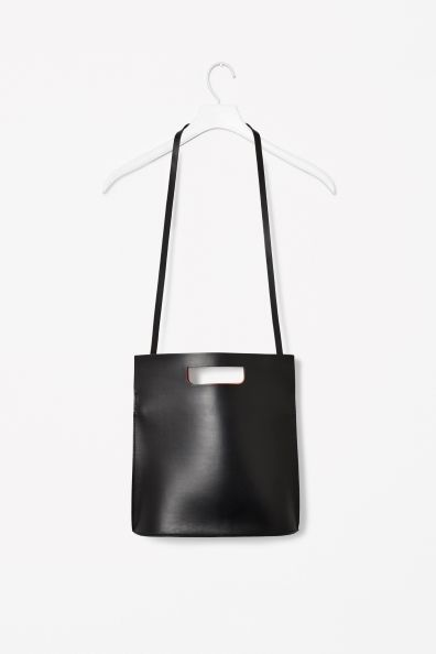 http://www.cosstores.com/gb/Archive/Contrast_leather_bag/19852857-7253661.1#12573942