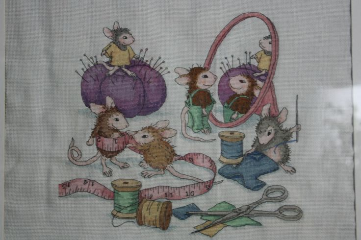 mice doing some sewing