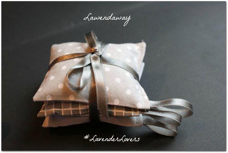Dla #LavenderLovers właśnie się objawiły. Są milusie, mięciusie, kochają Twój dotyk i odwzajemniają się tak jak lubisz najbardziej:)  Pijesz Twoją ulubioną poranną kawę a do tego jeszcze ON roztacza dookoła Ciebie ten niezapomniany aromat lata.  Teraz Twoje poranki nawet w pracy mogą być cudowne.  Życzę Niezapomnianego Poranku,  Lawendaway  P.S. Czekamy na wieści od Ciebie:)  #lawendaway #poranki #poranek #NiezapomnianePoranki #aromat