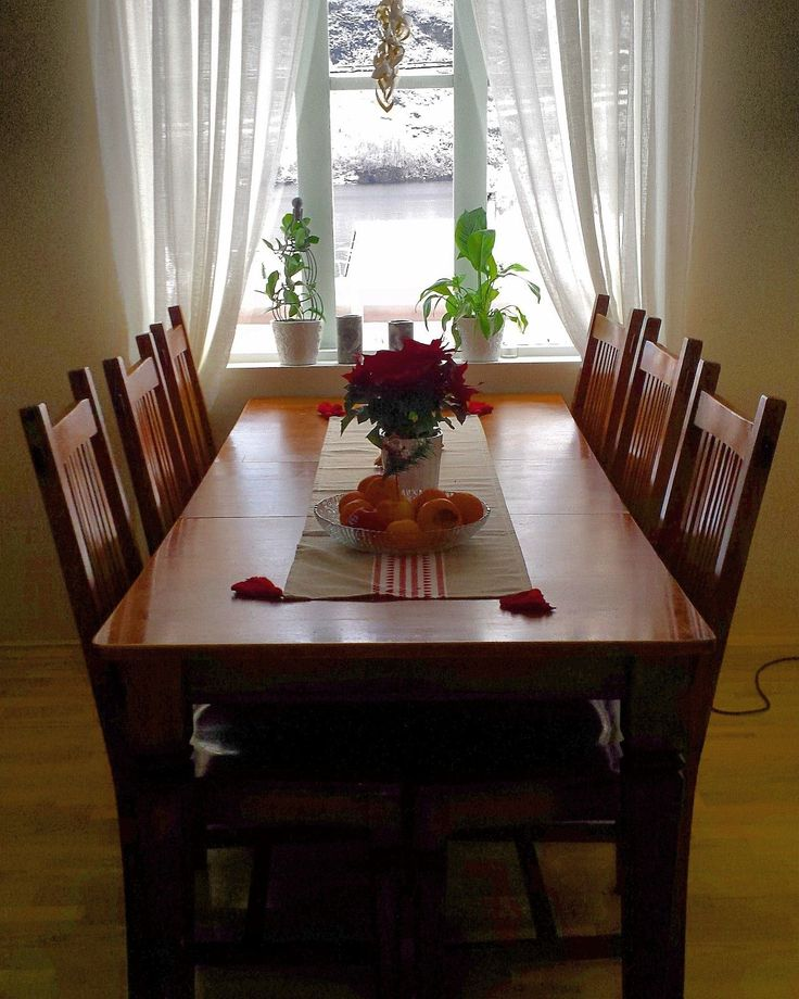 FINN – Fin spisestue Med 6 stoler