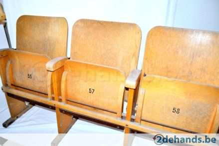 Vintage cinema seats, now for sale on: 2dehands.be bioscoop stoelen, klapstoelen retro/vintage