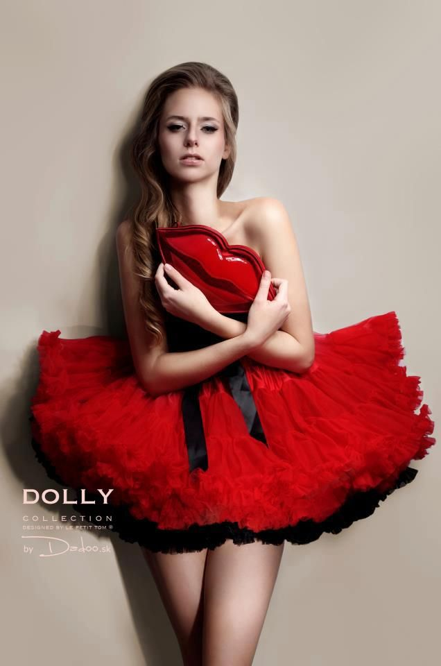 Little Red riding hood DOLLY skirt in combination with Audrey Hepburn underlayer. Looks so cool :)