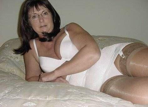 best mature girdle pics