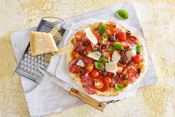 Allerhande! Easy piadina pizza met spianata romana