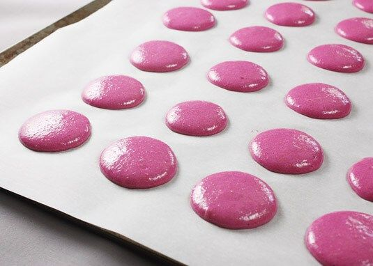 Resting / drying macarons before baking