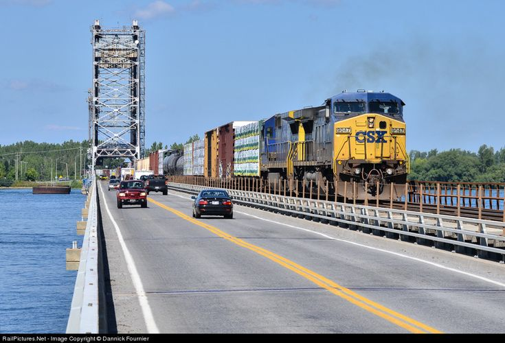 RailPictures.Net Photo: CSXT 9047 CSX Transportation (CSXT) GE C44-9W (Dash 9-44CW) at Valleyfield, Quebec, Canada by Dannick Fournier