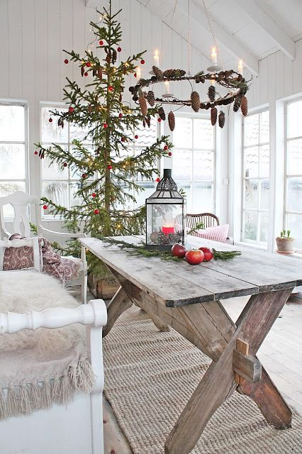 Lovely Christmas home with a large Christams tree and beautiful Christmas decorations.