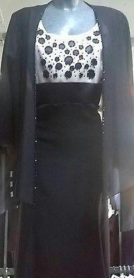 Abito da donna per una cerimonia elegante. Vestito nero da sera  adatto ad un matrimonio, tg conformata ideale per un occasione importante.Per una personalitá fine.Consigliato per la Mamma dello/a sposo/a o testimone.