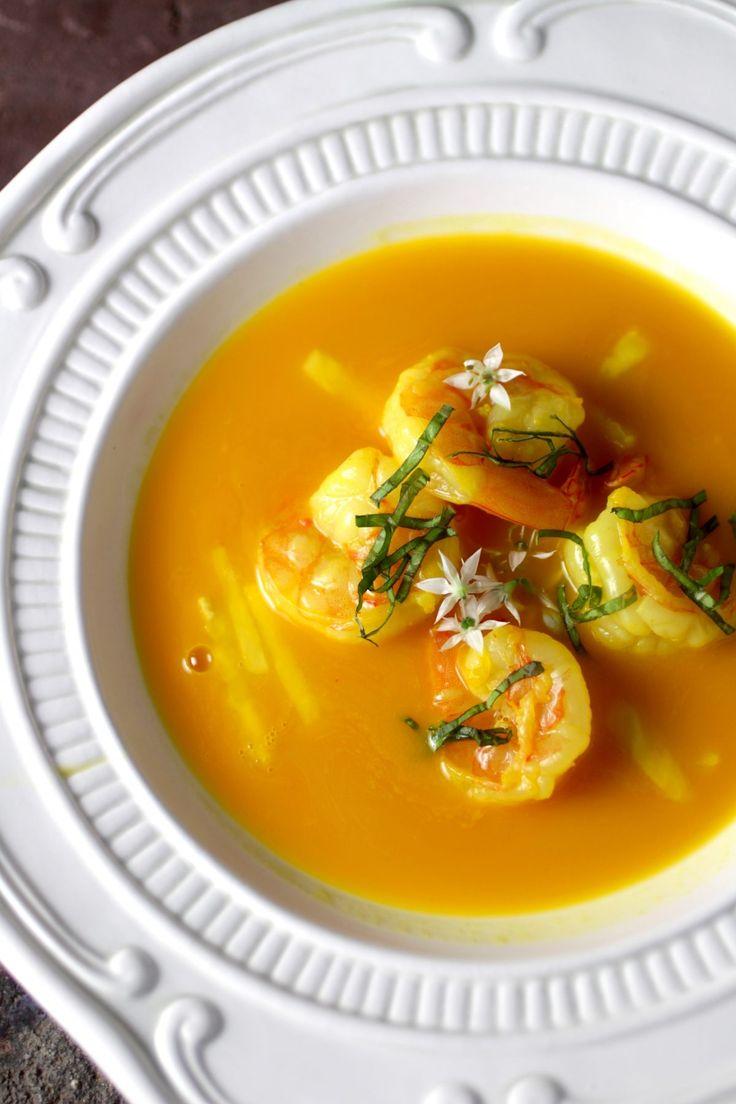 Fragrant Asian Bistro Soup with Shrimp, Pineapple, Saffron, Lemongrass. Great soup for #entertaining