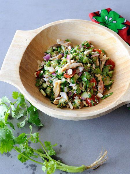 Recipe:あじの干物入りエスニック風チョップド・サラダ/にんにくの効いたエスニックドレッシングで、干物の臭みをおいしくカバー! #レシピ