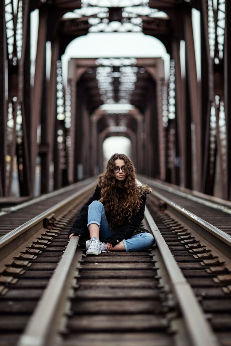 видео позируем на железнодорожном мосту это уже другие