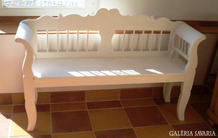 Antikolt, fenyő, festett pad (provence)