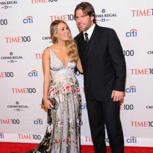 La cantante country Carrie Underwood está impresionada de lo feliz que se siente con su marido Mike Fisher -con quien se casó en 2010 y con quien tuvo a su hijo de nueve meses Isaiah- porque no estaba