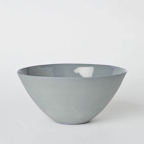 This larger bowl is perfect for serving curries, rice, and smaller salads…