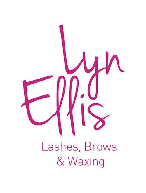Classic Lash-to-Lash extensions (certified) - eyelash & eyebrow treatment in Prague