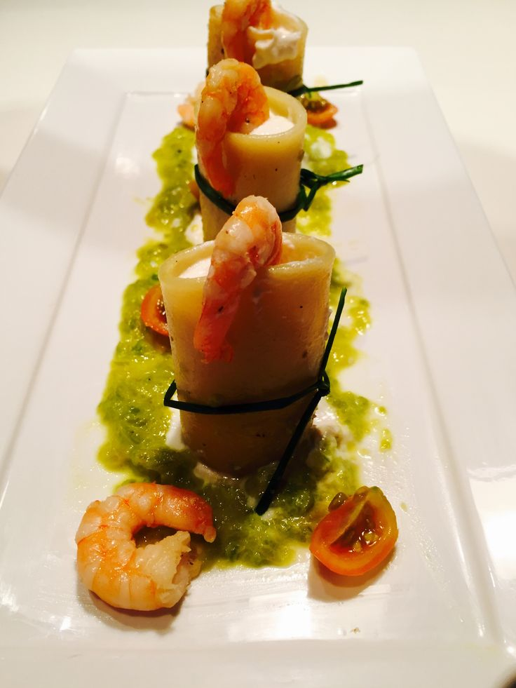 Paccheri ripieni di gamberi e  ricotta - Paccheri pasta stuffed with ricotta cheese and prawns
