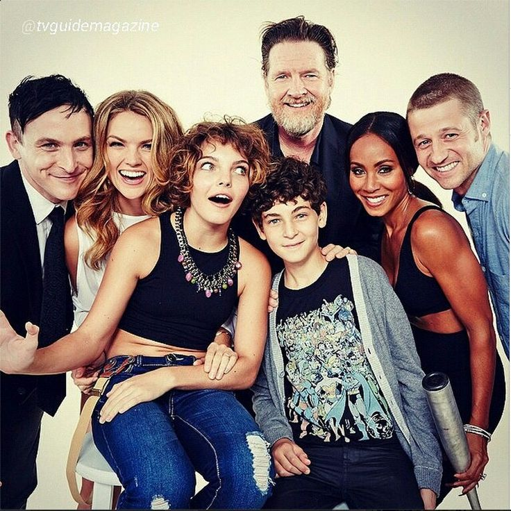 The Gotham Bunch - Robin Taylor, Erin Richards, Camren Bicondova, David Mazouz, Donal Logue, Jada Pinkett Smith, and Ben McKenzie