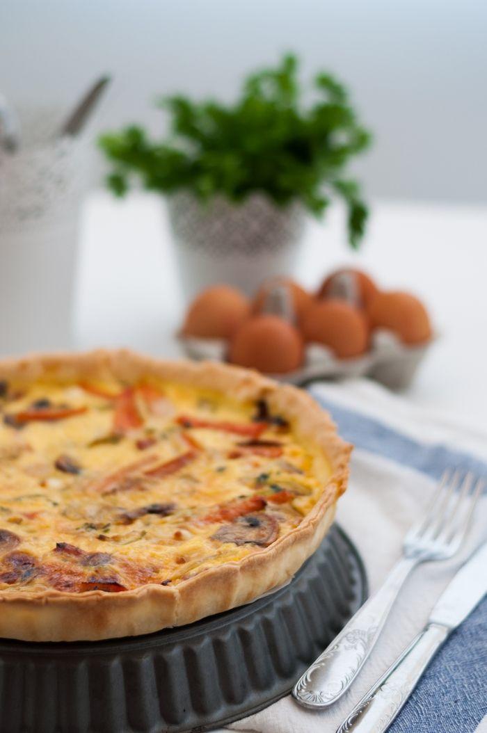 Roasted vegetables and goat cheese pie | Tarte de legumes assados e queijo de cabra