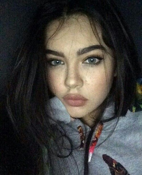 grafika girl, makeup, and pretty