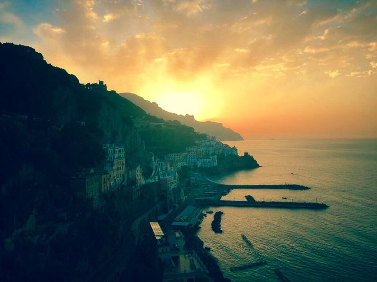 Good Morning by Amalfi Coast (Italy)  Private Enjoy Day Tour - Alive with our tours the most exciting  beauties of the south Italy. Our drivers will drive you to the discovery of these beauties, and they will stop you in the best points panoramic view perfect  to make some beautiful photos memory.  #enjoysorrentolimo #privatedaytour #enjoytour #daytour #positano #amalficoast  http://www.enjoysorrentolimo.com/tour-from-sorrento-and-naples.html