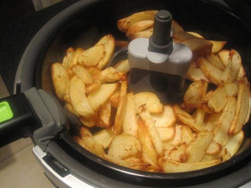 #Syn-free chips (use Fry Light spray) ina Tefal Actifry... mmm!