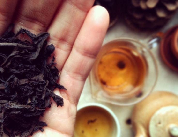 #teatime #teaddict #wulong #gifttea #tealovet #rainyday #working Tak tenhle čaj je BOMBA! @michal_lacina je to ten malý červený, co to je?To je dokonalost, chci toho celou krabici!😱❤️🕊☕️☺️😊#klubkocajuje