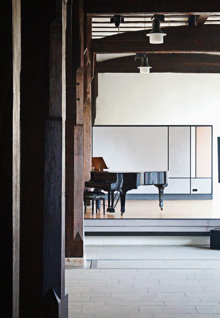 Klavier im Pfleghof Tübingen In dem Wunderschönen Pfleghofsaal wird auch das Bücherfest eröffnet