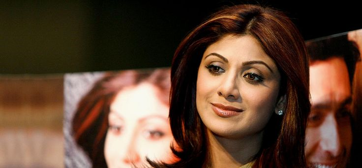 Surya Namaskar will be a cakewalk for you if you have been practicing yoga for a while. Here is a post on Shilpa Shetty surya namaskar yoga & its benefits.
