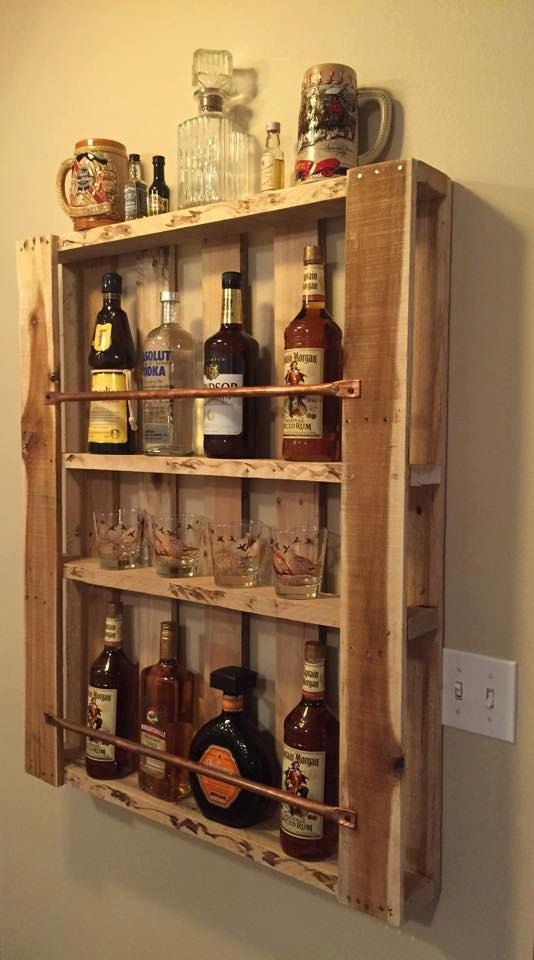 Rustic pallet furniture wood wall shelf liquor cabinet for How to build a mini bar cabinet