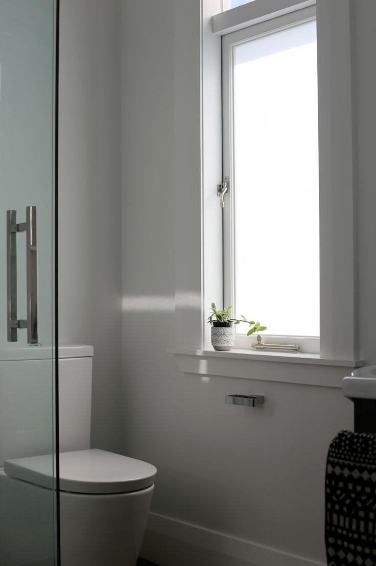 #interiorstyling #placesandgraces #bathroomdetails #concretepot #shutthefrontdoor