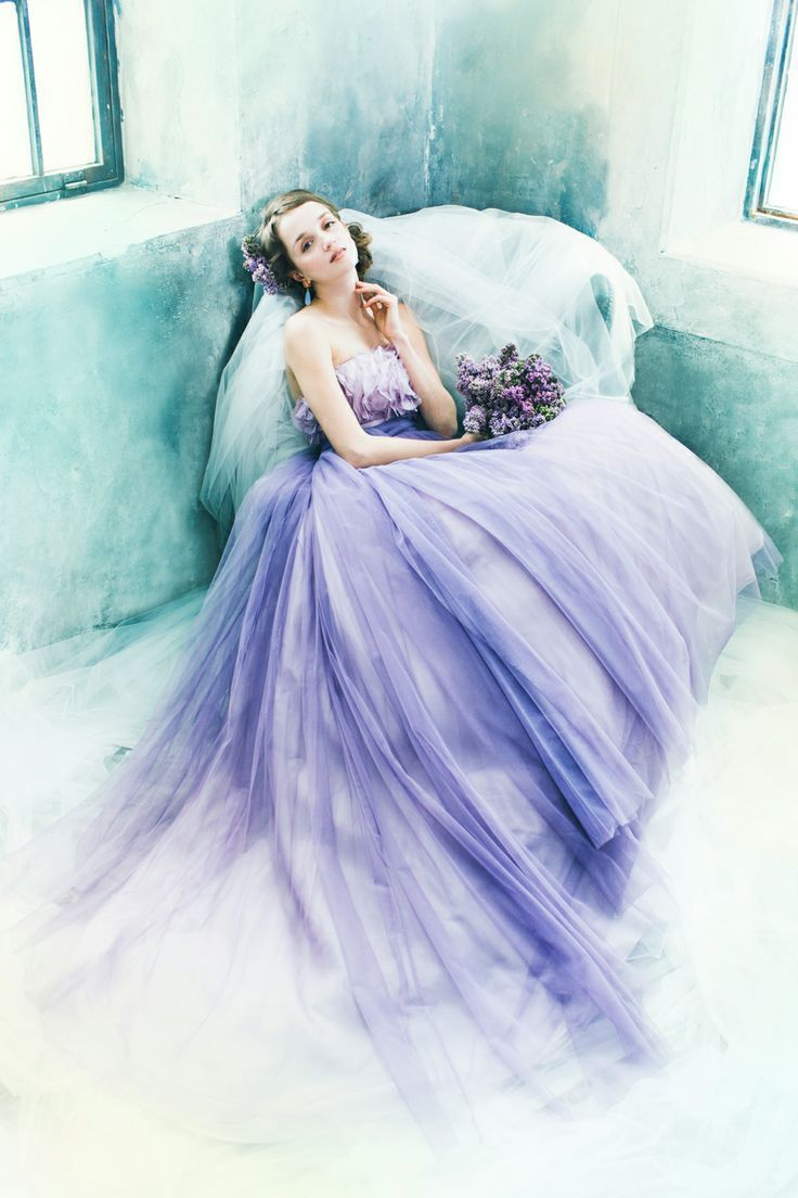 お色直しって楽しすぎ♡女の子に生まれて本当に良かったと思える可愛いカラードレスの色別まとめ*にて紹介している画像