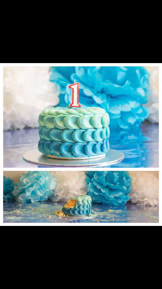 Cake smash cake in blue #edwardjamesfinefoods