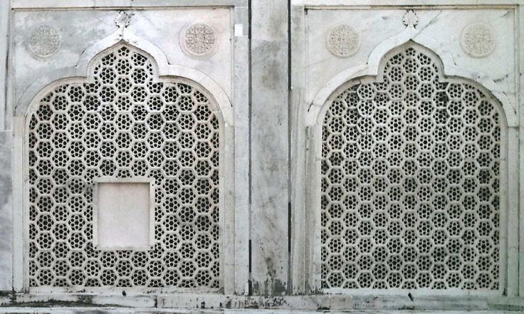 The latter two gates are identical with central pointed for Taj mahal exterior design