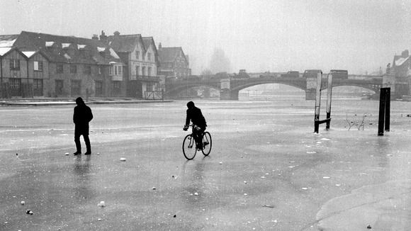 Walking on the Thames: 1963's big freeze in pictures